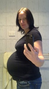 29 weeks pregnant with Evelyn